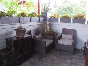Deck above the outdoor kitchen.