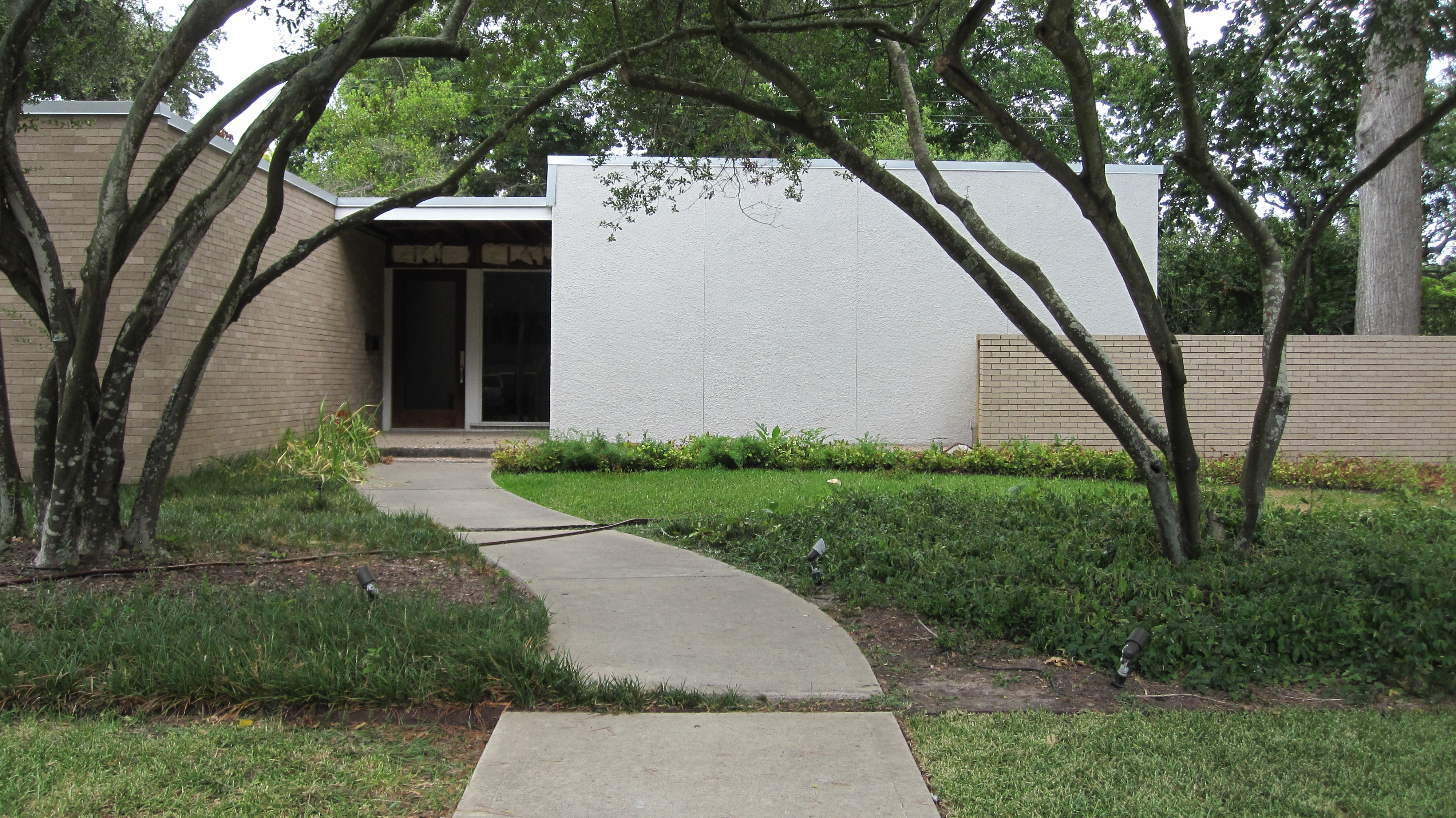 New landscaping for a newly remodeled Mid-Century Modern ...