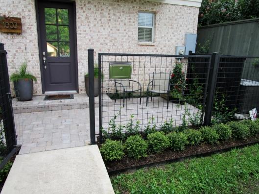 Courtyard by Ravenscourt Landscaping & Design LLC